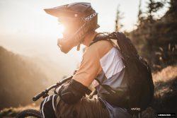 Mountainbiker im Sonnenuntergang :: ©Wolfgang Lienbacher